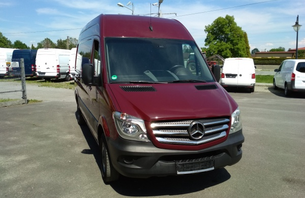 mercedes-benz-sprinter-216-cdi-sredni-lift